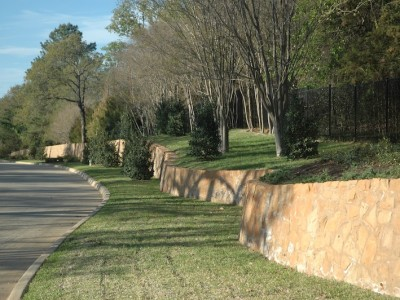 Winding Retaining Wall