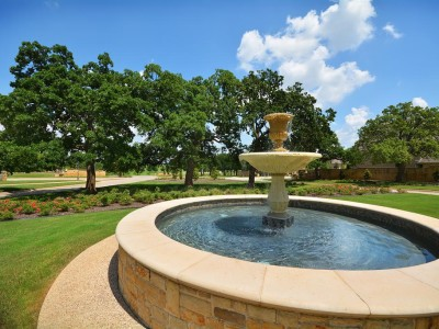 Shady Oaks Fountain