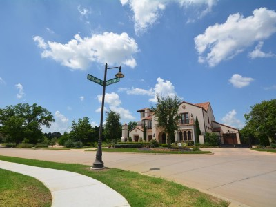 Shady Oaks Streetscape